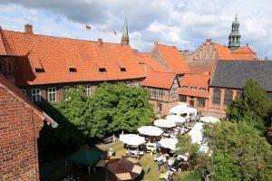 Blick in den Rathausgarten